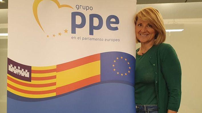 Rosa Estarás, elegida representante española en la Unión Europea Femenina