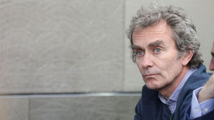 Críticas a Fernando Simón por tomarse vacaciones para grabar un programa en Cala Millor