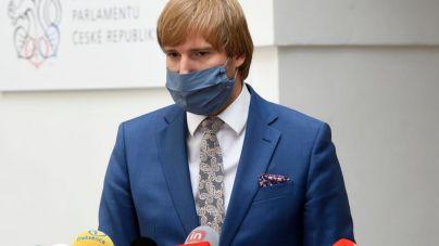 Dimite el ministro de Sanidad checo tras las críticas a su gestión de la pandemia