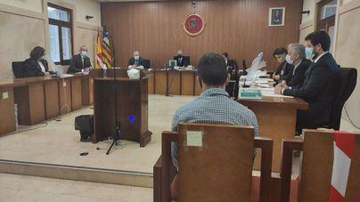 40 años de cárcel por violar, atar y agredir a una mujer y prenderle fuego a su piso de Palma