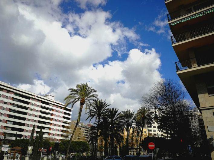 Intervalos nubosos con chubascos dispersos en Baleares