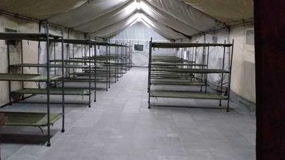 El Ejército instala tiendas modulares en el Puerto de Palma para acoger a los migrantes