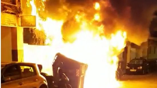 Dos detenidos por incendiar contenedores en Playa de Palma