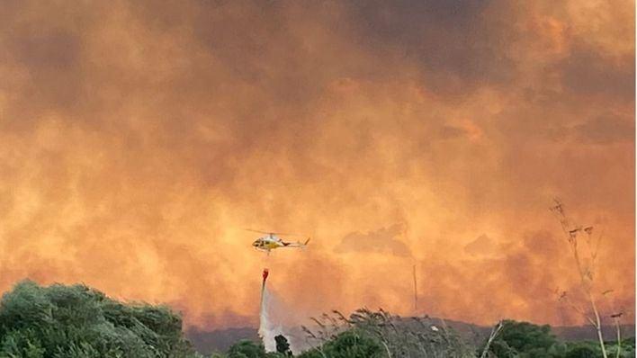 Tres casas calcinadas y casi 300 hectáreas afectadas por el fuego en s'Albufera
