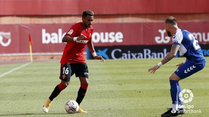 El Mallorca logra su primera victoria tras ganar al Sabadell