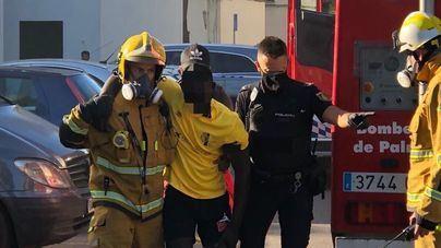 Varios intoxicados en el incendio de un piso en Son Gotleu