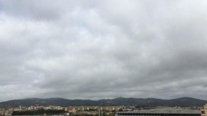 Desplome del termómetro, viento y lluvia por la borrasca