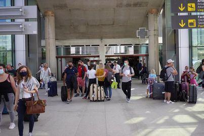 Bégica mantiene la cuarentena para los viajeros que lleguen de Baleares