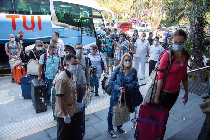 La llegada y el gasto de los turistas se hunde un 80 por ciento en Baleares