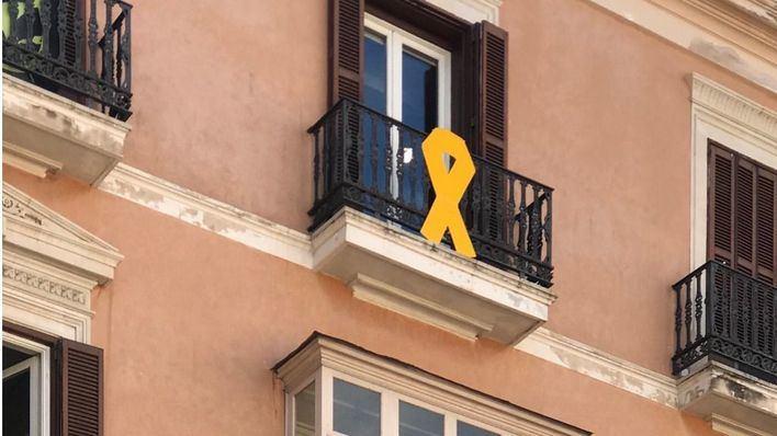 Cs Palma pide la retirada inmediata de los lazos colocados por Més en Cort