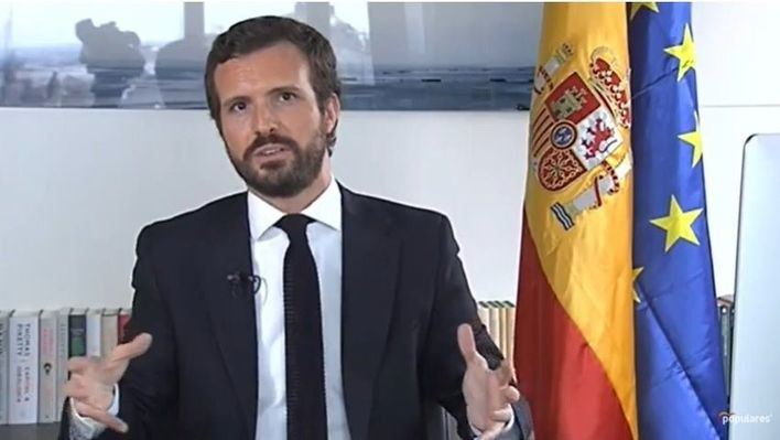 Casado exige a Sánchez que defienda al Rey frente a Podemos e independentistas