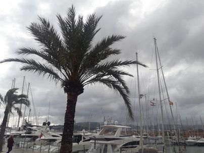 Intervalos nubosos con algún chubasco ocasional en Baleares