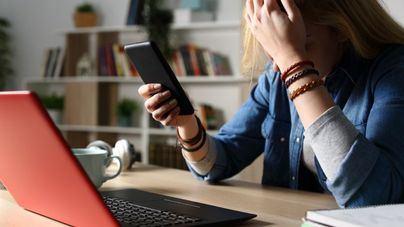 El 59 por ciento de las menores españolas han sido acosadas en las redes sociales