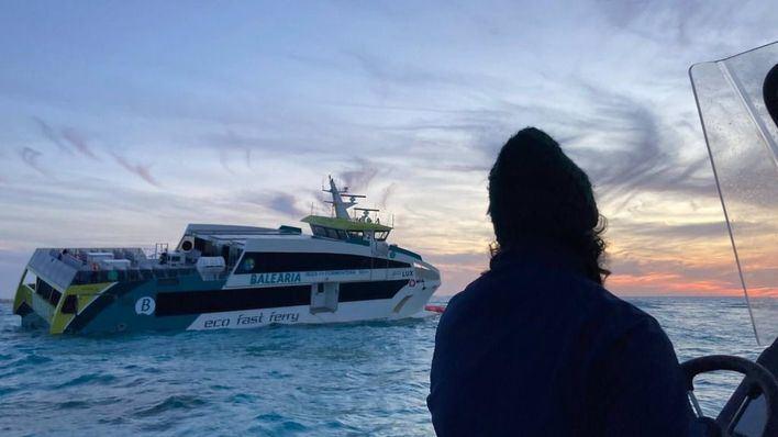 Salvamento Marítimo rescata a 17 personas al colisionar un ferry entre Ibiza y Formentera