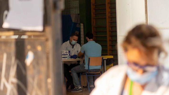 Cerca de 5.600 positivos y 126 fallecidos en España durante las últimas 24 horas