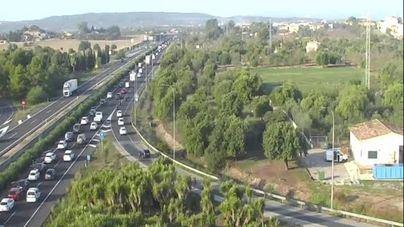 Hora punta: Atasco en la autopista de Inca por un accidente múltiple en Santa Maria