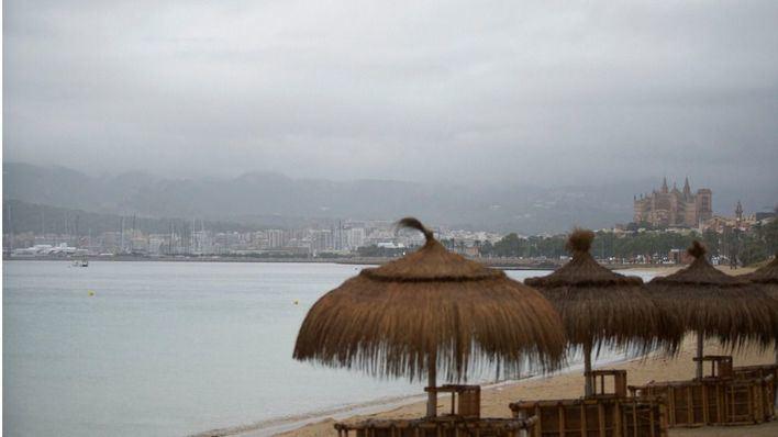 Notable descenso de temperaturas y chubascos fuertes en Baleares