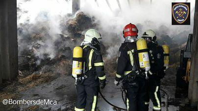 Controlado el incendio de la nave agrícola en Manacor