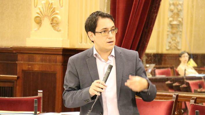 Negueruela anuncia una nueva estrategia turística diferenciada por islas y mercados