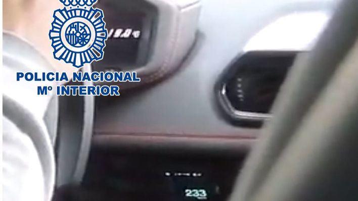Detenido un 'youtuber' tras colgar un vídeo circulando a 233 km/h en una vía limitada a 80