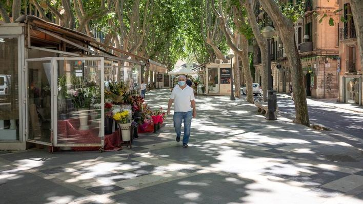 La Rambla: floristerías en la cuerda floja