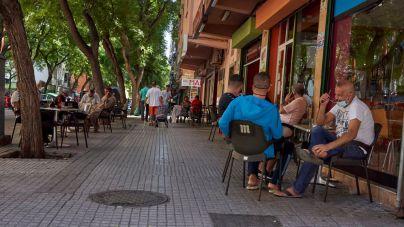 Las reuniones sociales se limitarán a seis personas en Mallorca e Ibiza