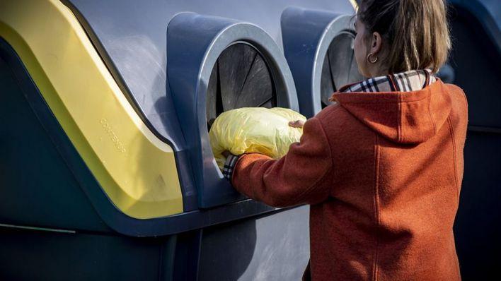 Greenpeace acusa a Ecoembes de mentir con el reciclaje de plásticos
