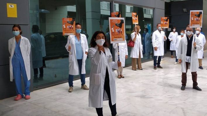 Los profesionales sanitarios de Baleares se manifiestan para reclamar la 'solvencia financiera' del sector