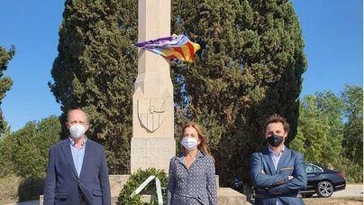 Sa Fundació realiza la tradicional ofrenda floral al Rey Jaume III de Mallorca