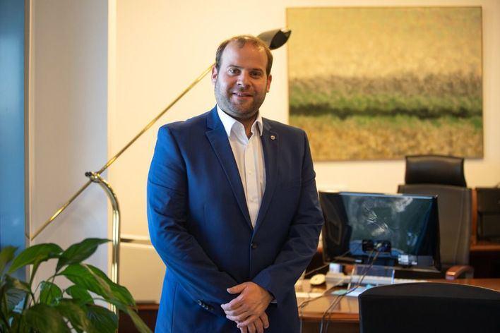 El conseller Miquel Mir hará cuarentena al haber estado en contacto con un positivo