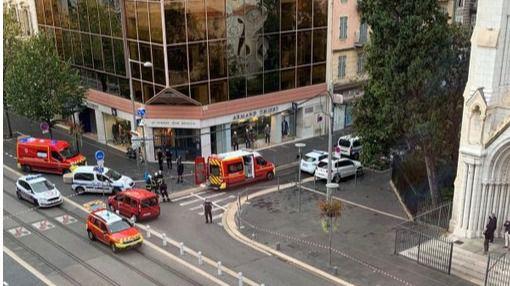 Tres muertos y varios heridos tras ser acuchillados en la catedral de Niza