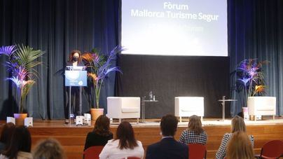 Empresas turísticas presentan Mallorca como destino seguro en una jornada online con 500 participantes