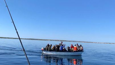 Imagen de una de las pateras llegadas este viernes a Ibiza