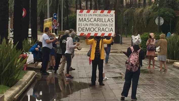 Delegación de Gobierno prohíbe una manifestación y una concentración negacionistas en Palma