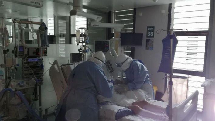 Nuevo récord de contagios en España: 25.595 en un día y 239 fallecidos