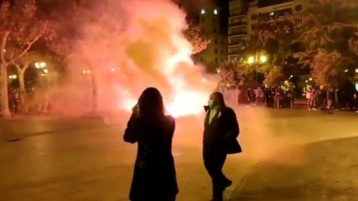Otra noche de 'cuchillos largos' en pleno cierre perimetral: detenciones, agresiones y vandalismo