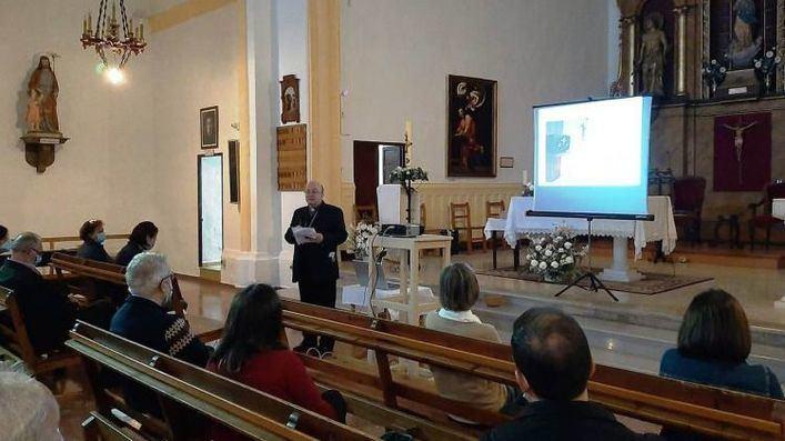 Solicitan al obispo de Menorca que levante el veto a una catequista que se casó con una mujer