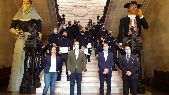 Doce nuevos bomberos toman posesión de sus plazas en el Ayuntamiento de Palma