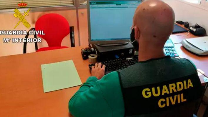 Detenido por estafar 9.000 euros a 35 mujeres a través de aplicaciones de citas