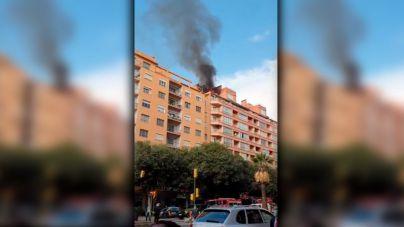 Una mujer herida y su gato muerto en un incendio en Palma