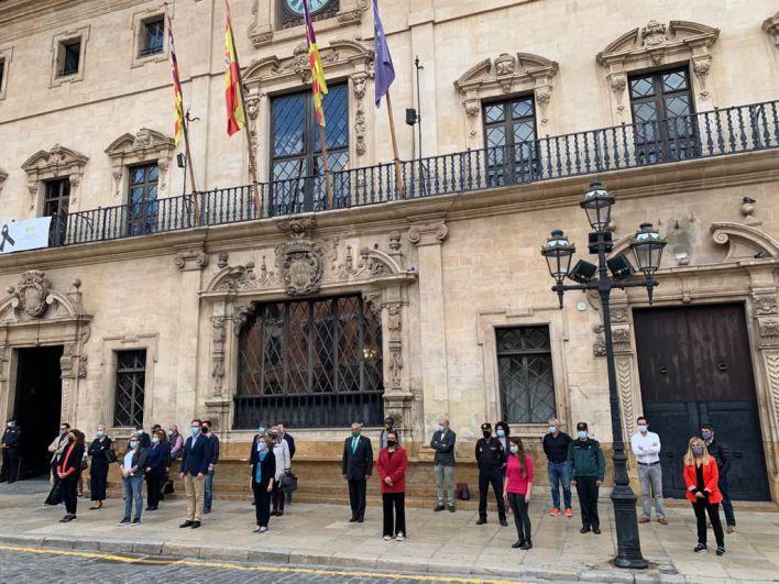 Minuto de silencio por el último asesinato machista en Mallorca