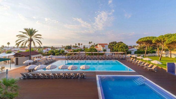 Apple Leisure refuerza su presencia en Baleares con cuatro nuevos hoteles y un beach club en Menorca