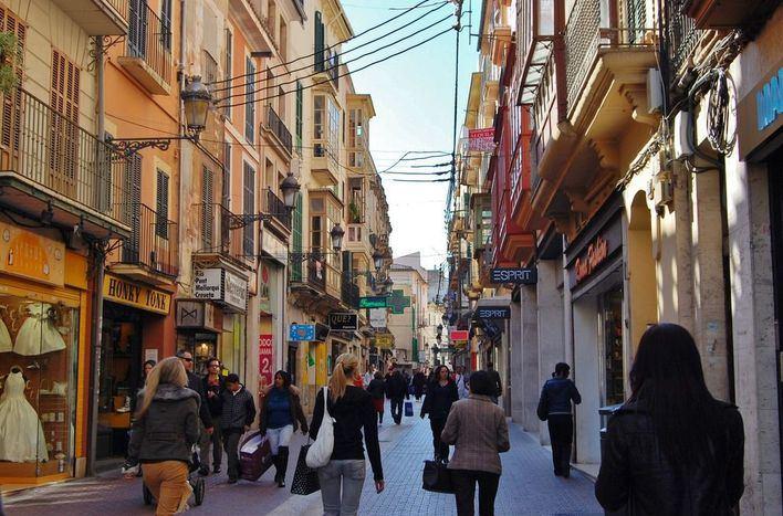 Instan a Cort a que suspenda las limitaciones de acceso al centro de Palma por Navidad