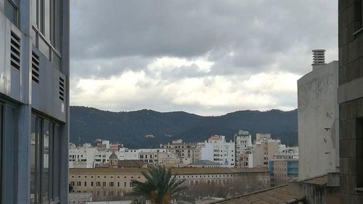 Cielos nubosos en Baleares con viento fuerte en la Tramuntana
