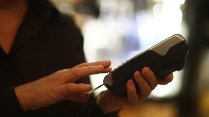 El gasto con tarjeta retrocede un 35 por ciento en Baleares durante el mes de octubre
