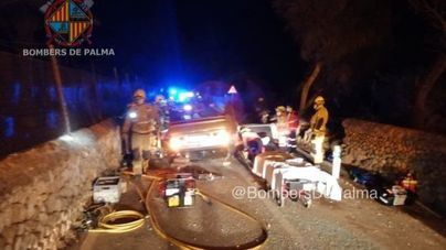 Herida al quedar atrapada en interior de su vehículo tras chocar contra un muro en sa Cabana