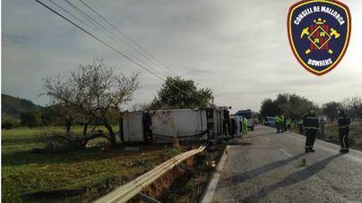 Fallece un camionero en un choque frontal en la carretera de s'Esgleieta
