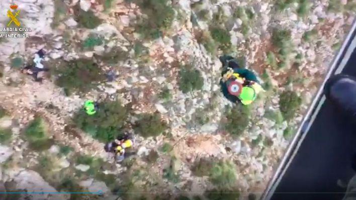 Complicado rescate de un senderista tras caer desde una altura de 20 metros en el Salt del Nebot