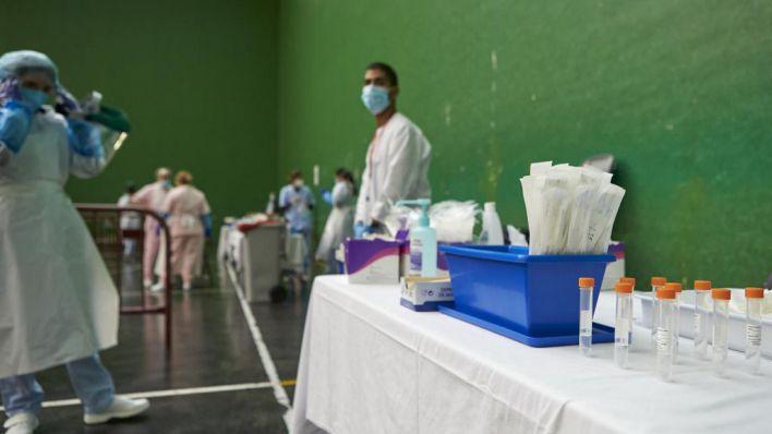 Las comunidades autónomas realizan una media de 121 PCR al día