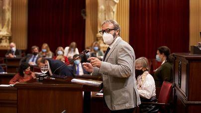 Un diputado del PP en el Parlament da positivo por Covid y obliga a guardar cuarentena a varios parlamentarios